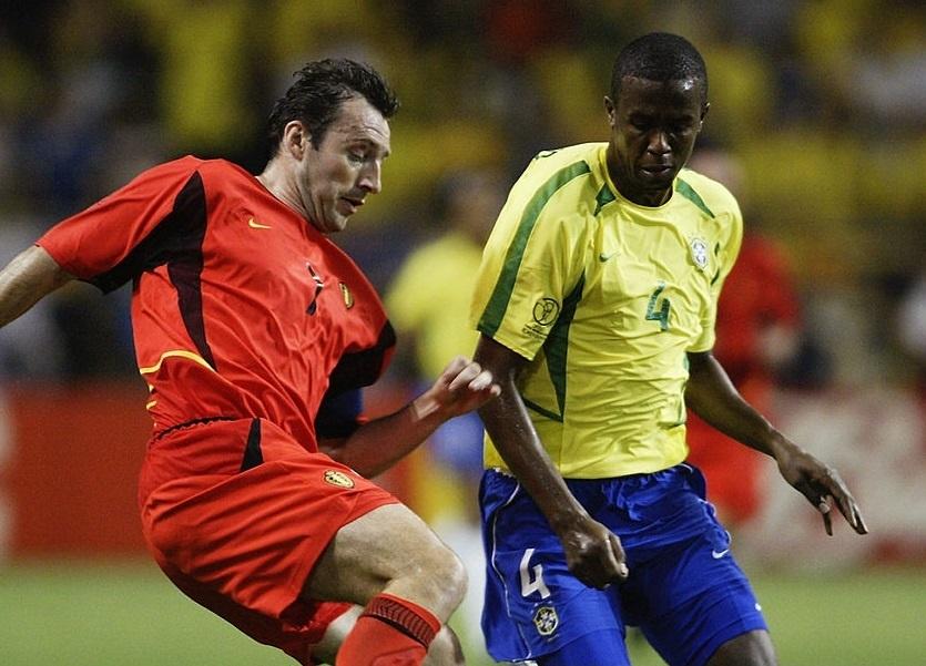 Ronaldinho va cac nha vo dich World Cup 2002 gio o dau? hinh anh 4