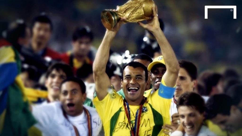Ronaldinho va cac nha vo dich World Cup 2002 gio o dau? hinh anh 5