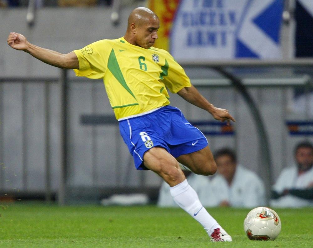 Ronaldinho va cac nha vo dich World Cup 2002 gio o dau? hinh anh 6