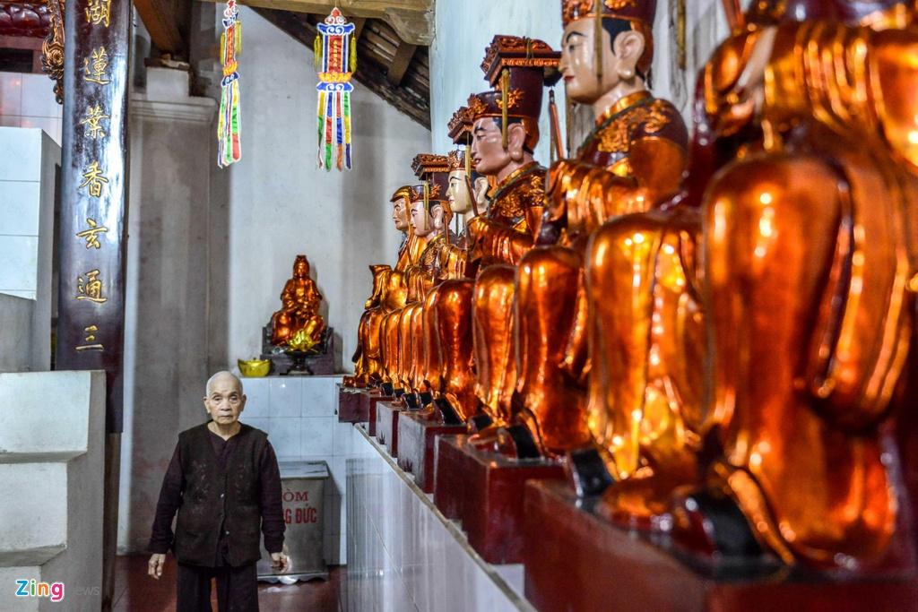 Chua Ba Danh vang ve, yen binh giua long Ha Noi hinh anh 11