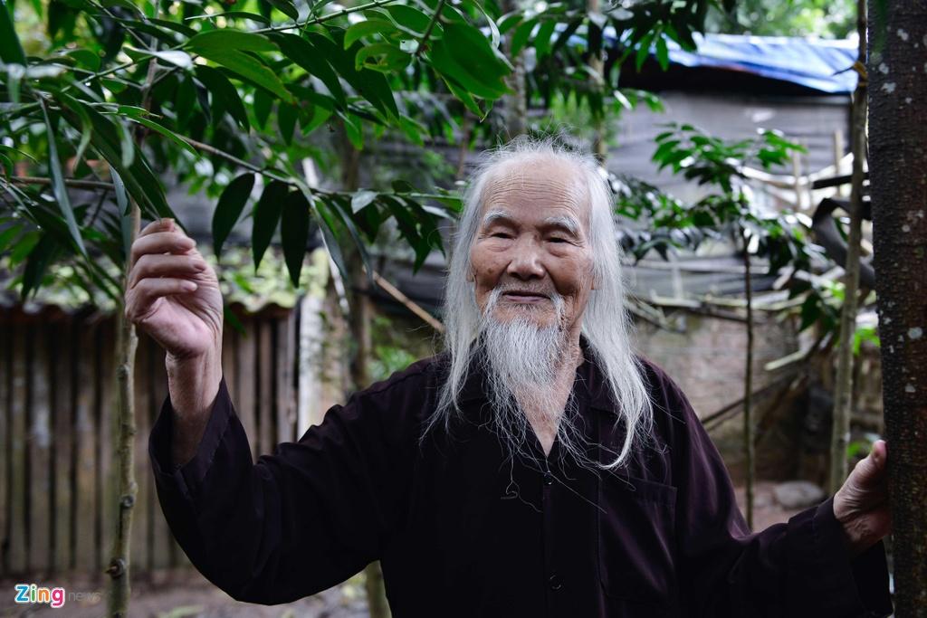 'Ong Tien' 97 tuoi co mot khong hai o Ha Noi hinh anh 8