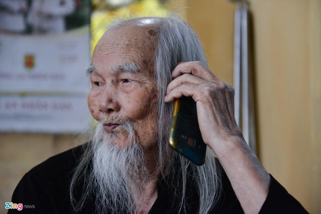 'Ong Tien' 97 tuoi co mot khong hai o Ha Noi hinh anh 2