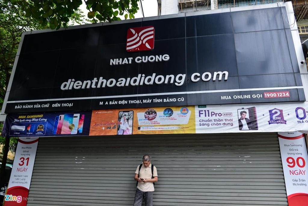 Nhat Cuong Mobile phu bat che bien hieu sau mot thang ong chu bo tron hinh anh 9