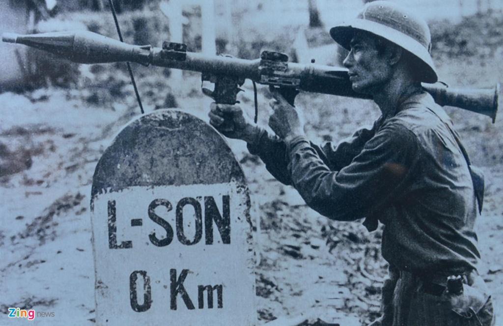 Hang tram buc anh,  hien vat ke ve chang duong 50 nam lam theo di chuc Ho Chi Minh anh 14