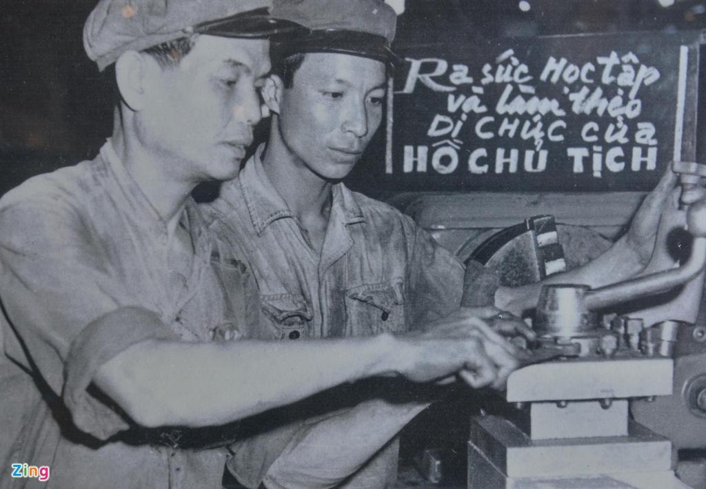 Hang tram buc anh,  hien vat ke ve chang duong 50 nam lam theo di chuc Ho Chi Minh anh 5