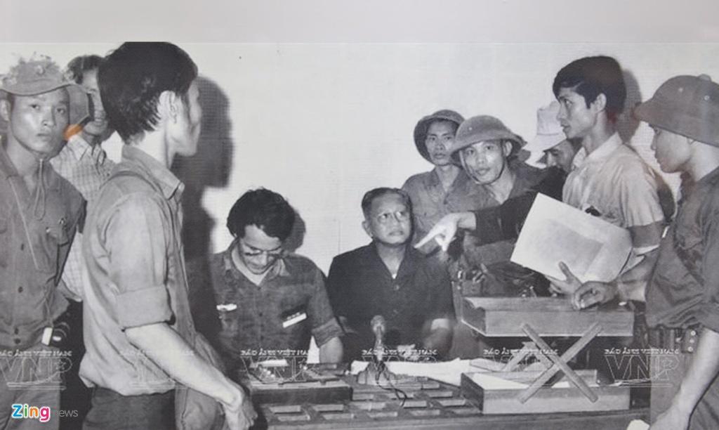 Hang tram buc anh,  hien vat ke ve chang duong 50 nam lam theo di chuc Ho Chi Minh anh 9