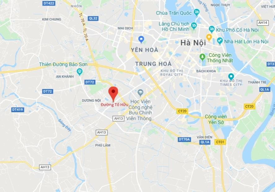 Nam thanh nien co thu tren cot dien cao the hinh anh 12