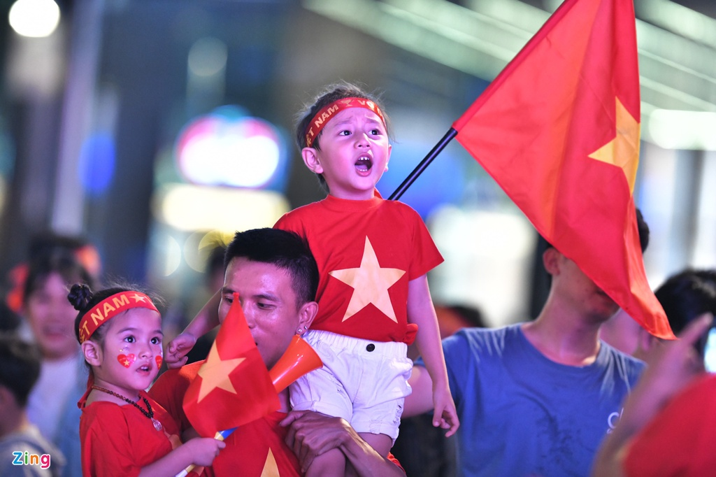 Pho di bo Nguyen Hue kin dac CDV co vu tuyen Viet Nam hinh anh 4
