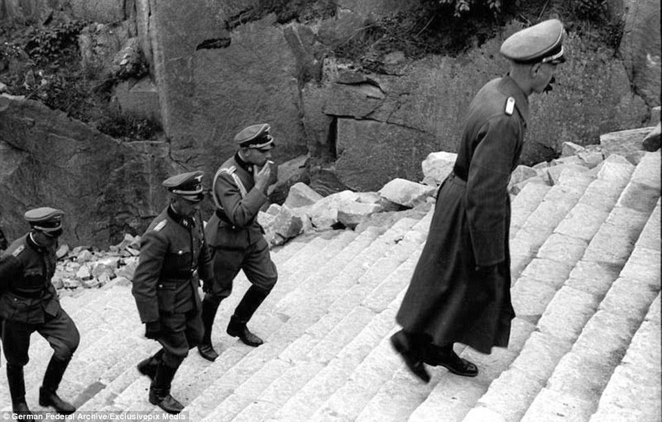 Nha tu Duc Quoc xa,  Mauthausen anh 3