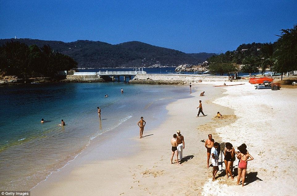 Acapulco: Tu thanh pho bien den 'thu phu' dam mau o Mexico hinh anh 1