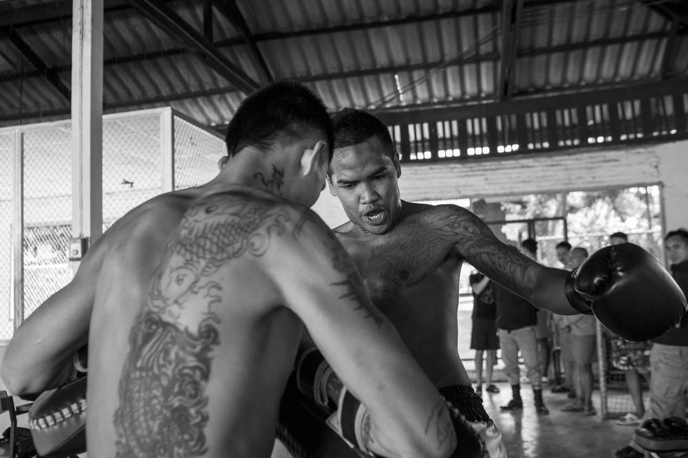 Cuoc dau vo gay can cua pham nhan Thai Lan de doi lay tu do hinh anh 3