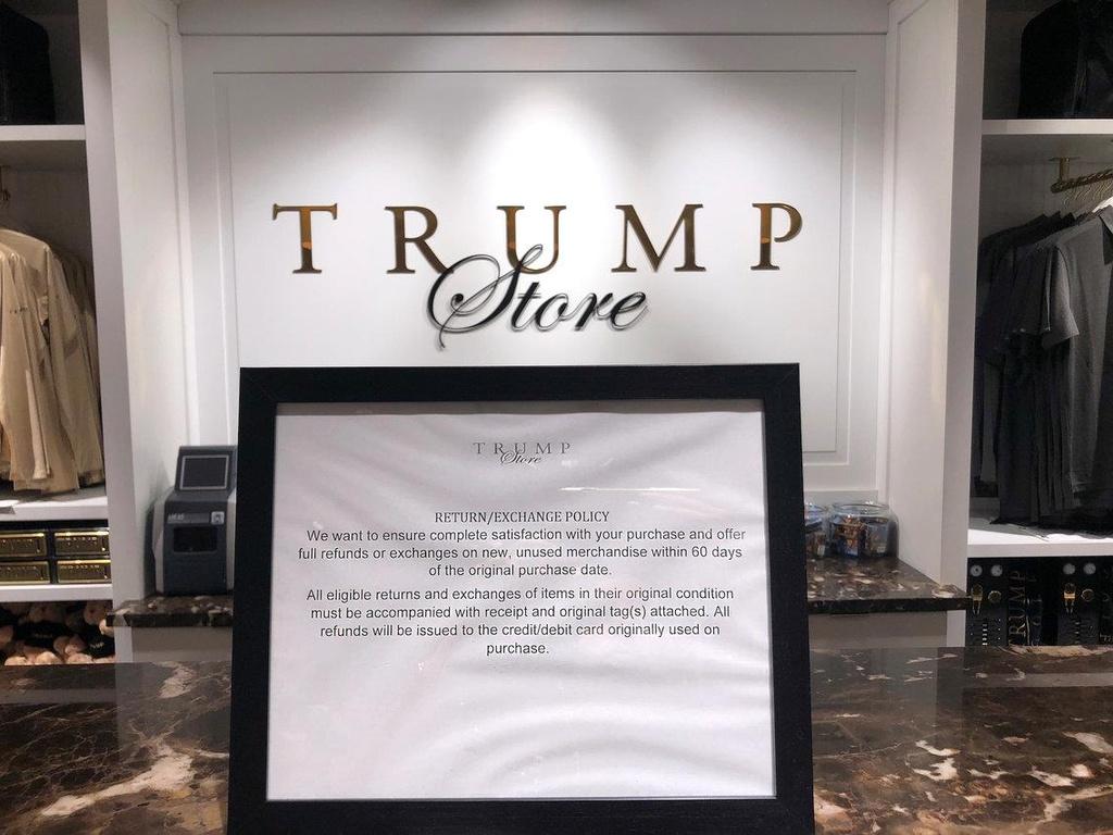 Ben trong Trump Tower, noi ban hang mang thuong hieu tong thong My hinh anh 47