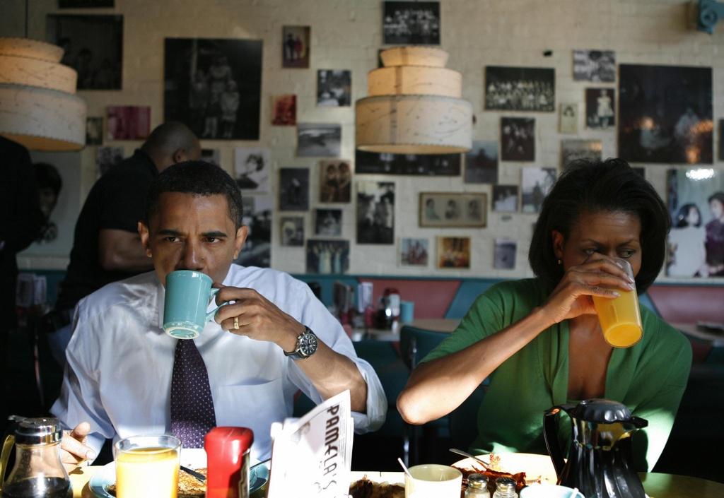 Vo chong cuu Tong thong My Barack Obama so huu gan 250 trieu USD hinh anh 2