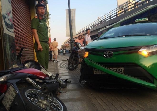 Tai xe taxi tong ten cuop o Sai Gon: 'Kho cho nguoi trong cuoc' hinh anh 1
