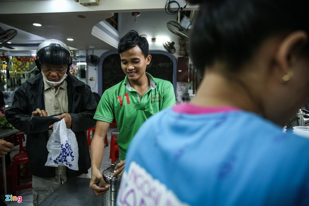 Quan pho 50 nam o Sai Gon nhuong quyen khap Hong Kong hinh anh 10