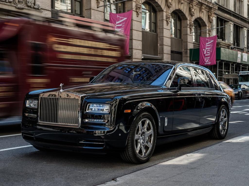 Rolls-Royce Phantom - tuong dai cua the gioi xe sieu sang hinh anh 1