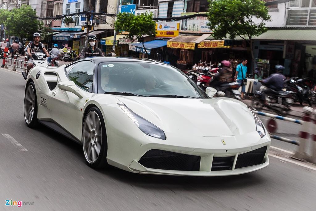 Dan sieu xe cua Cuong Do La thay phien dao pho Sai Gon hinh anh 1