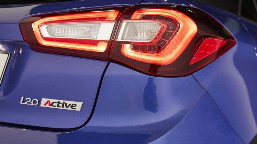 Hyundai nang cap i20, canh tranh Toyota Yaris hinh anh 10