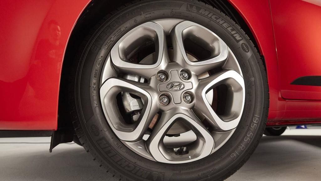 Hyundai nang cap i20, canh tranh Toyota Yaris hinh anh 5