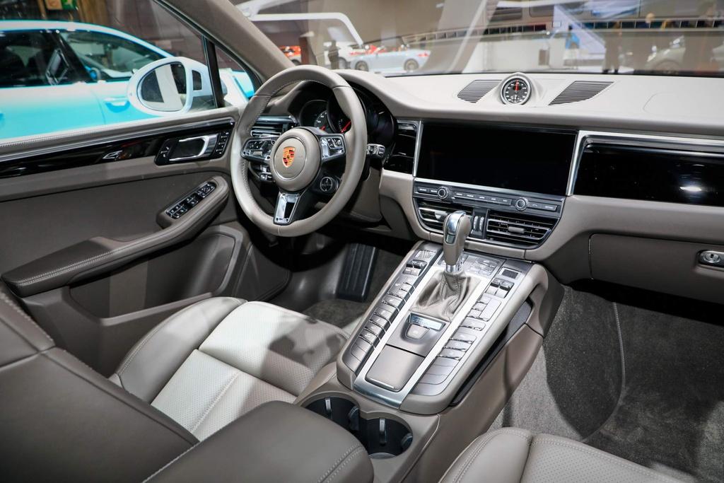 Porsche mang SUV ban chay nhat den Paris Motor Show hinh anh 6