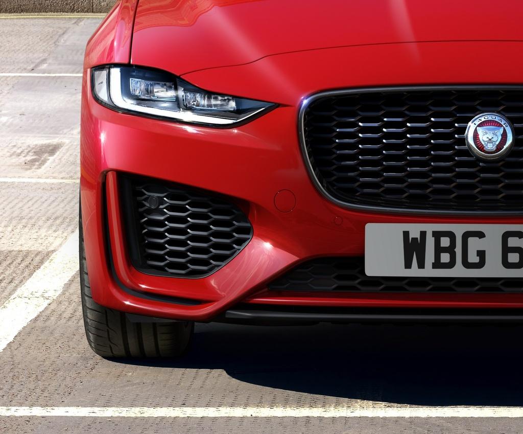 Jaguar XE phien ban 2020 the thao va ca tinh hon hinh anh 1