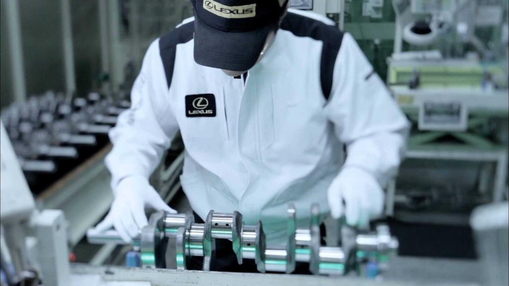 Lexus gay soc voi video ve 'Takumi Master' dai 60.000 tieng hinh anh 2