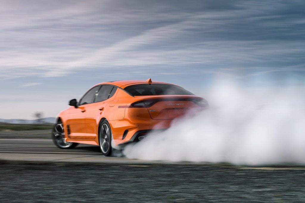'Quai thu' Kia Stinger GTS 2019 ra mat, tap trung vao kha nang drift hinh anh 8