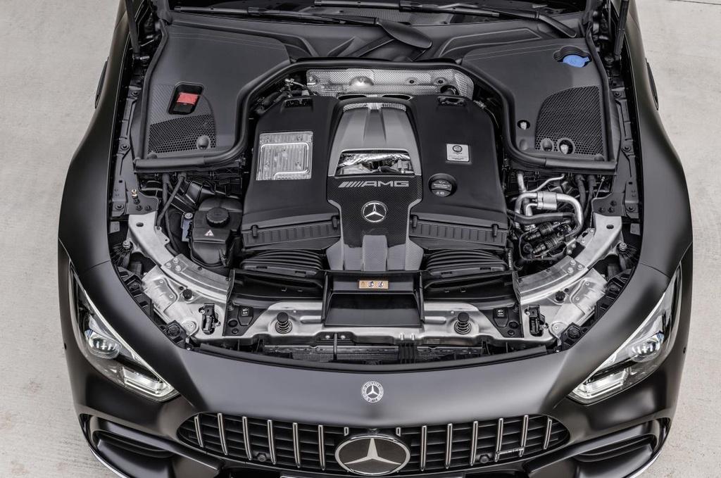 Mercedes-AMG GT 4 cua ra mat Malaysia anh 2