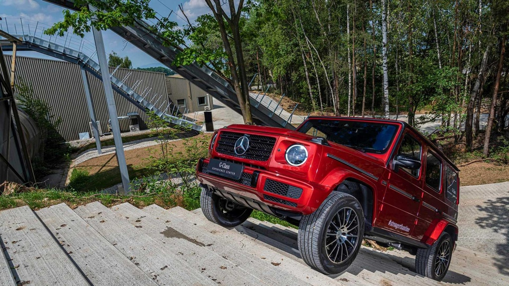 Mercedes-Benz G-Class ky niem tuoi 40 voi phien ban 'Truong ton' hinh anh 3