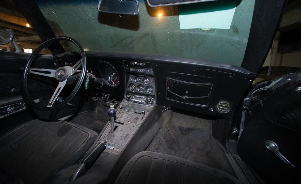 Chevrolet Corvette phu bui 25 nam anh 5