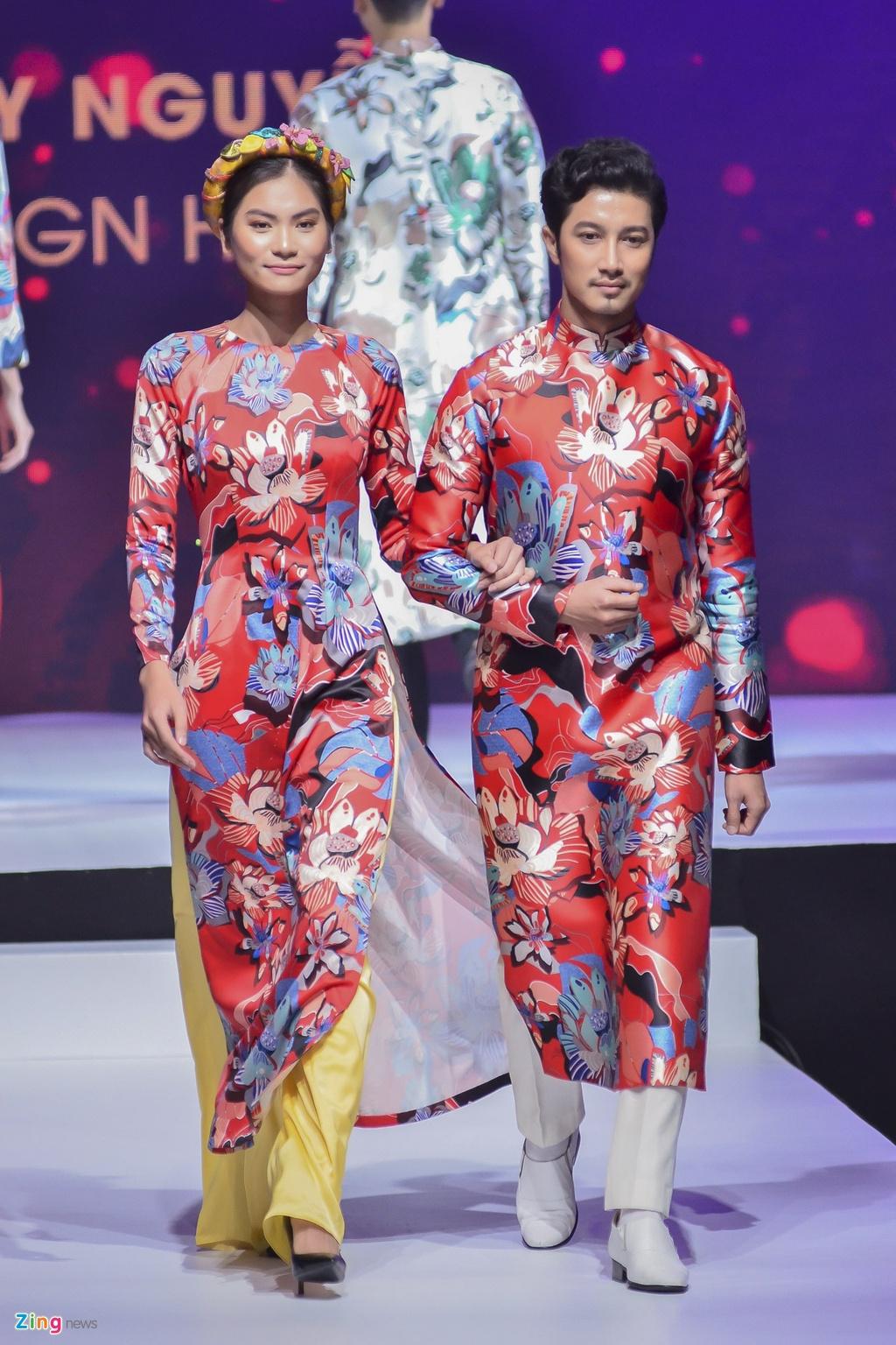 Angela Phuong Trinh dien ao dai dinh da quy o Le hoi ao dai 2018 hinh anh 16