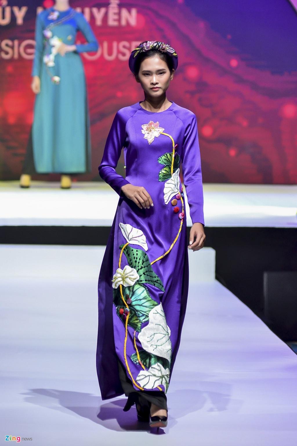 Angela Phuong Trinh dien ao dai dinh da quy o Le hoi ao dai 2018 hinh anh 12