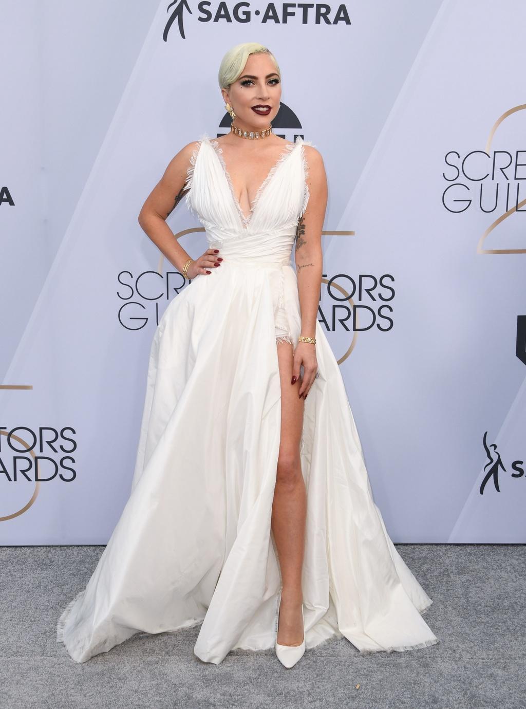 Trang phuc Lady Gaga va Margot Robbie an tuong nhat tham do SAG 2019 hinh anh 1
