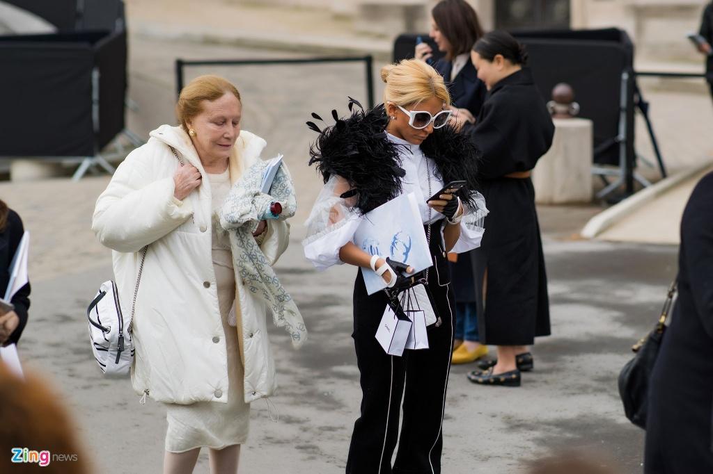 Khong khi nhon nhip truoc them show Chanel cuoi cua Karl Lagerfeld hinh anh 19
