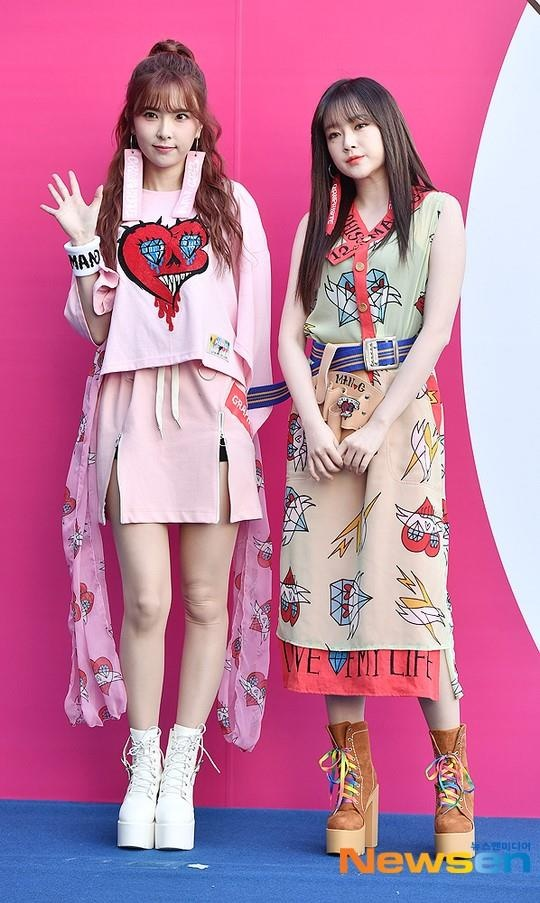 Sao Han mac trang phuc ruom ra, sen sam tai Seoul Fashion Week 2019 hinh anh 1