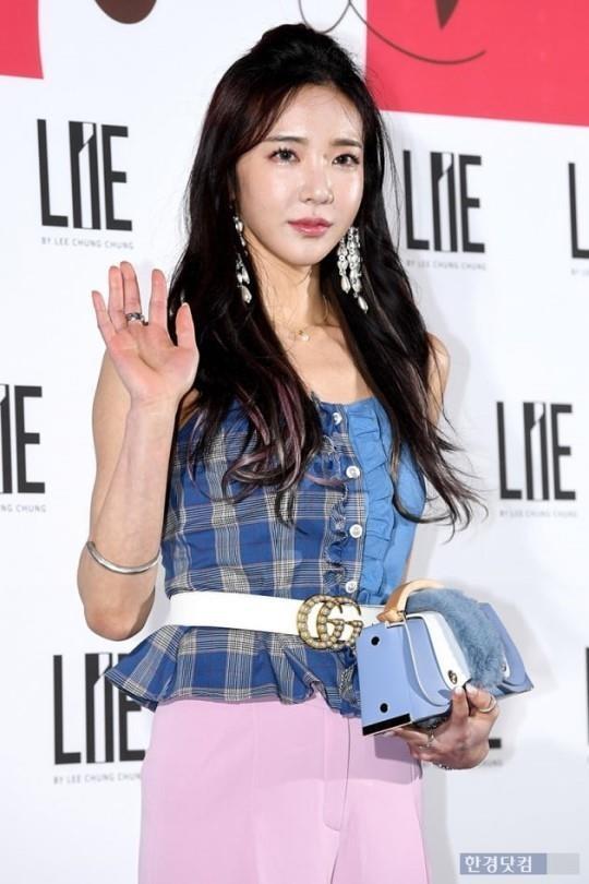 Sao Han mac trang phuc ruom ra, sen sam tai Seoul Fashion Week 2019 hinh anh 5