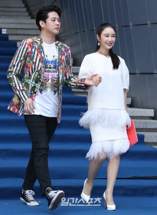 Sao Han mac trang phuc ruom ra, sen sam tai Seoul Fashion Week 2019 hinh anh 11