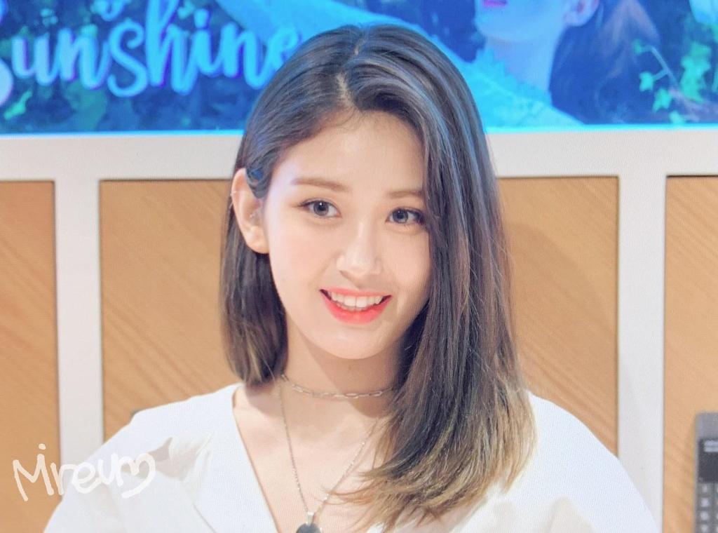 Jeon Somi - 'bong hong lai' xinh dep, so huu gu thoi trang tre trung hinh anh 1