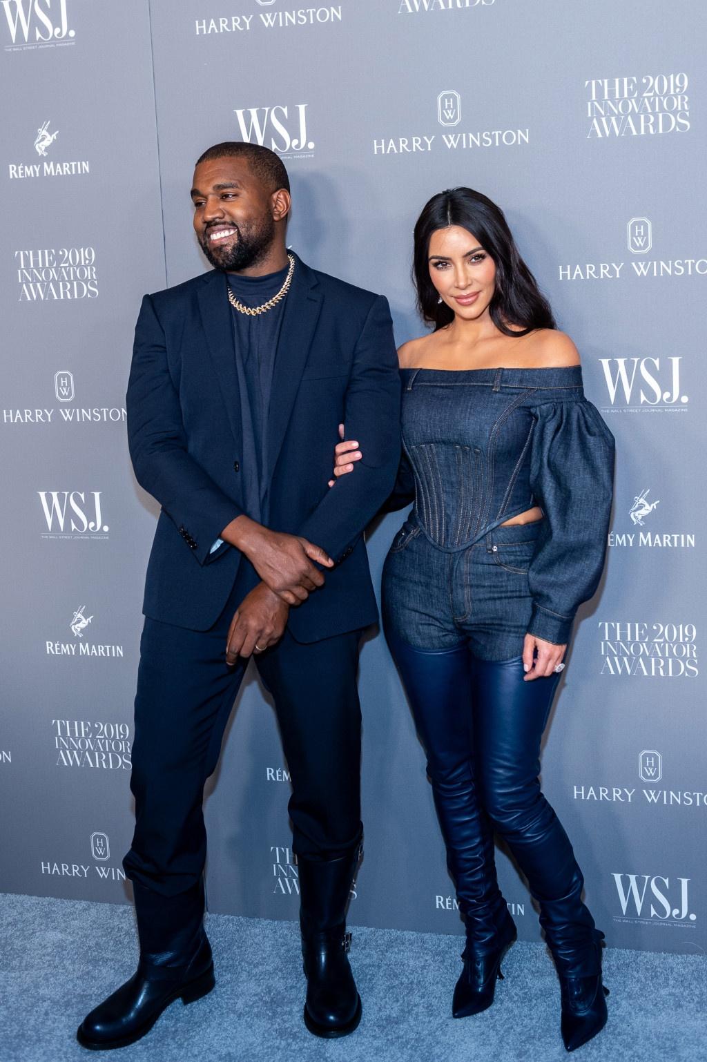 Selena Gomez va gioi tre the gioi mac do xanh hot nhat 2020 the nao? hinh anh 3
