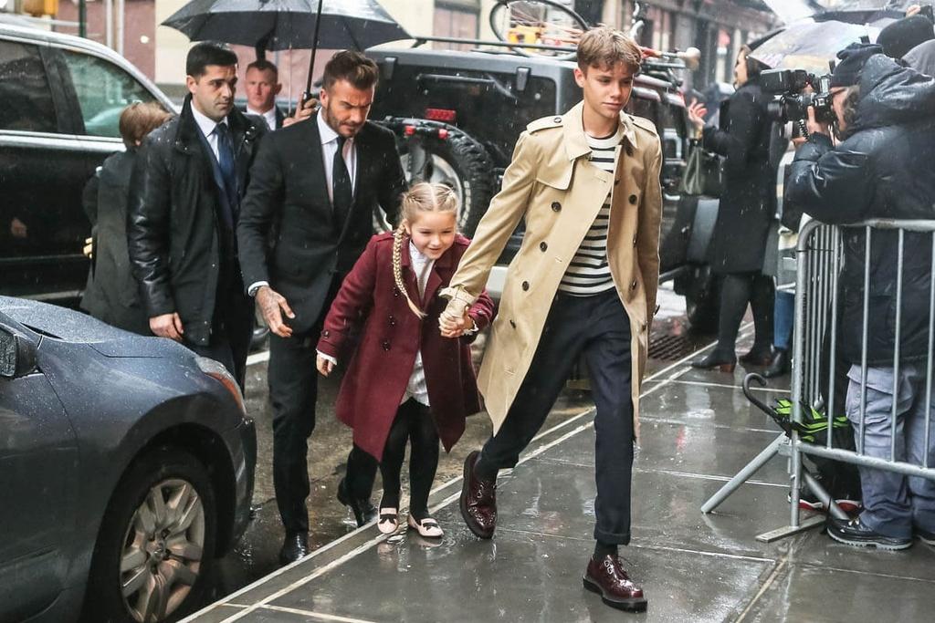 David Beckham va cac con mac gi khi ngoi hang dau show thoi trang? hinh anh 6 VIC12.jpg