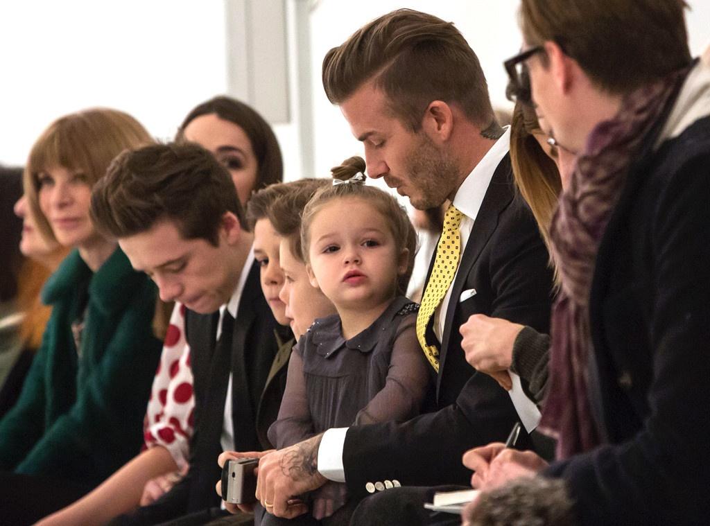 David Beckham va cac con mac gi khi ngoi hang dau show thoi trang? hinh anh 9 VIC16.jpg