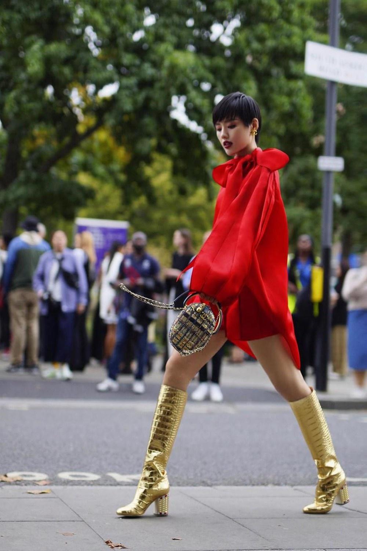 Tran Hung tham du Fashion Week anh 9