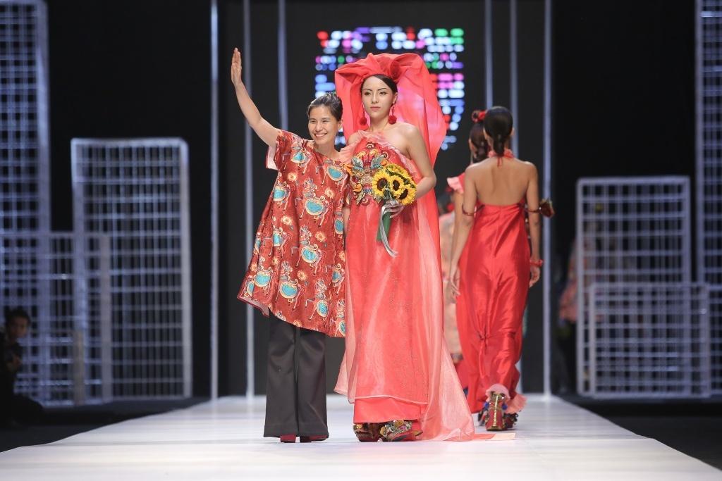 Thuy Nguyen lam ao dai anh 10