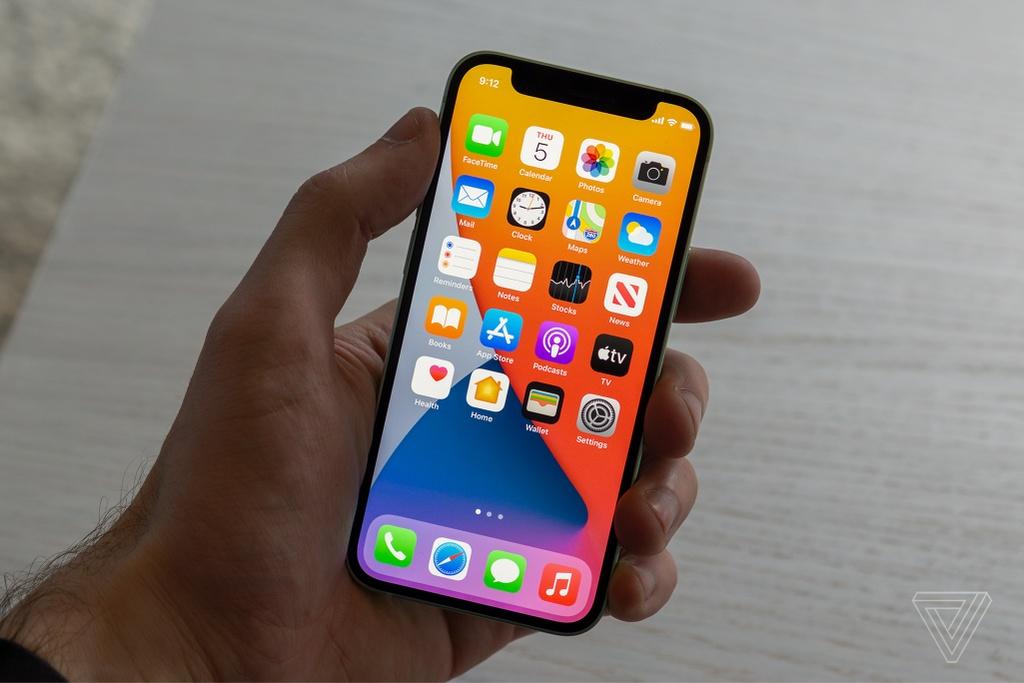 Danh gia nhanh iPhone 12 mini va iPhone 12 Pro Max anh 6