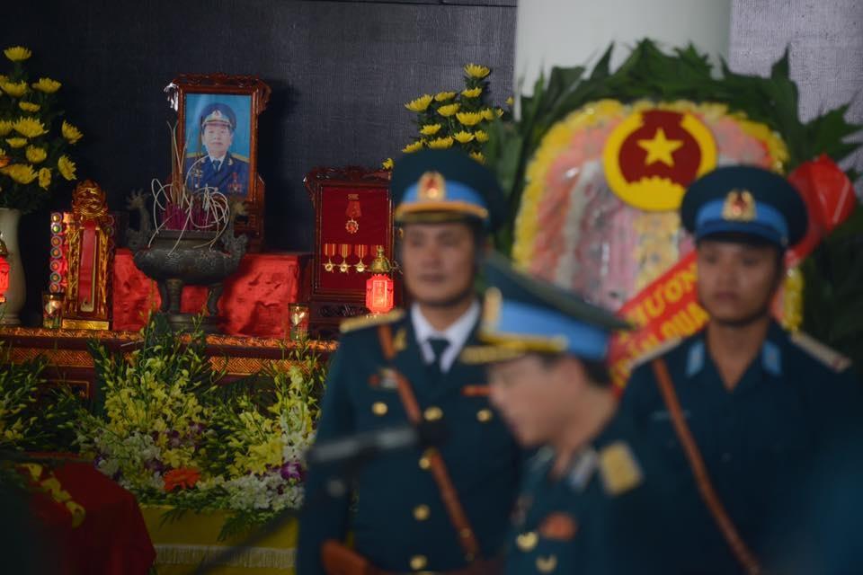 Hinh anh xuc dong trong dam tang phi cong Tran Quang Khai hinh anh 2