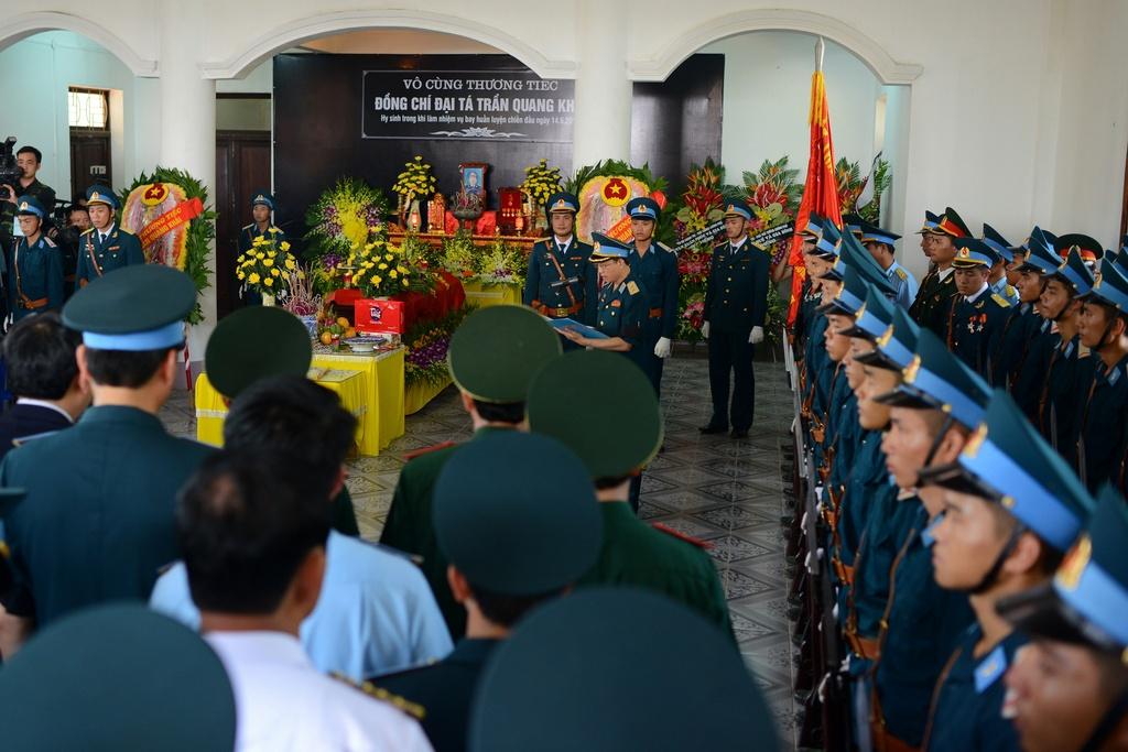 Hinh anh xuc dong trong dam tang phi cong Tran Quang Khai hinh anh 1