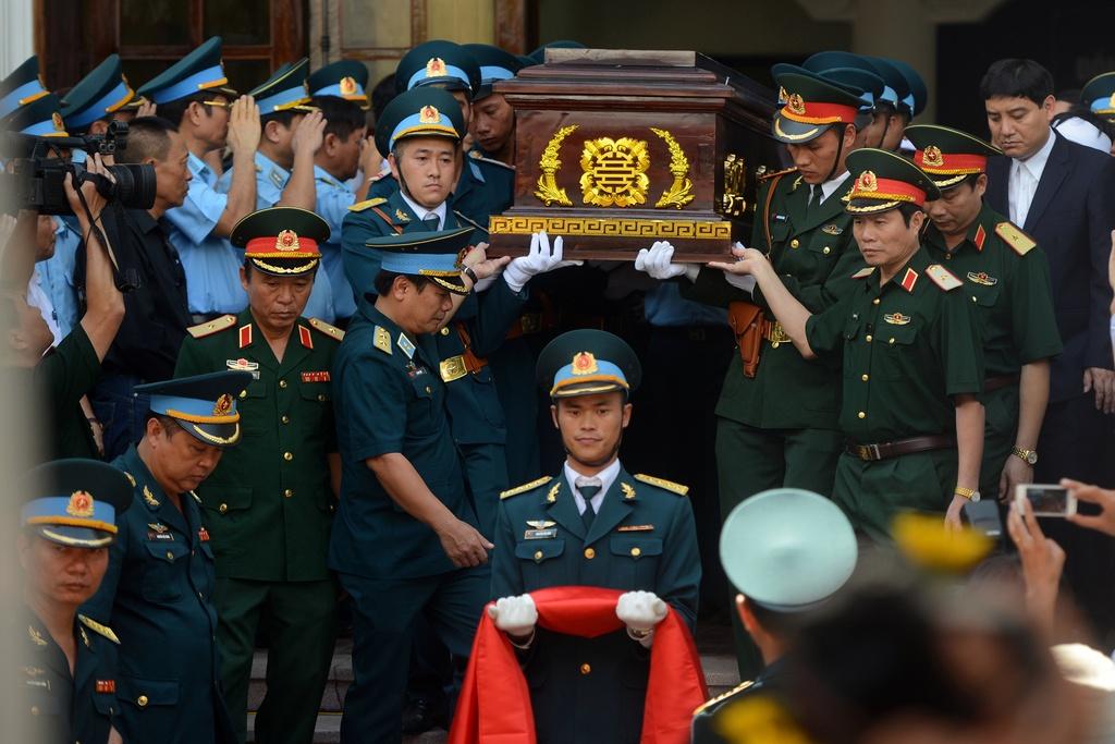 Hinh anh xuc dong trong dam tang phi cong Tran Quang Khai hinh anh 14