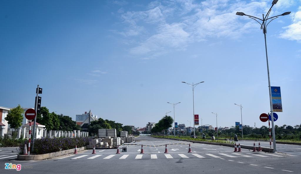 Tuyen duong 10 lan xe chay qua khu do thi khong lo o Ha Noi hinh anh 9