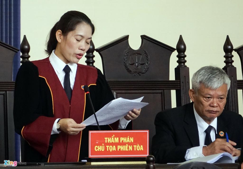 Cuu trung tuong Phan Van Vinh cui mat vao phong xu an hinh anh 13