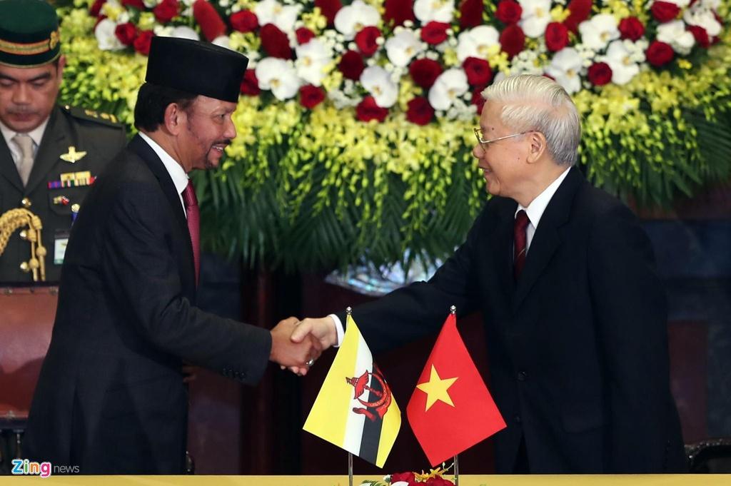 Quoc vuong Brunei tham chinh thuc Viet Nam anh 1